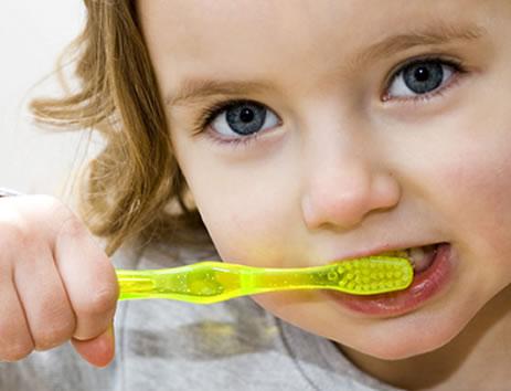 Mit jelent a fogtorlódás gyermekkorban?